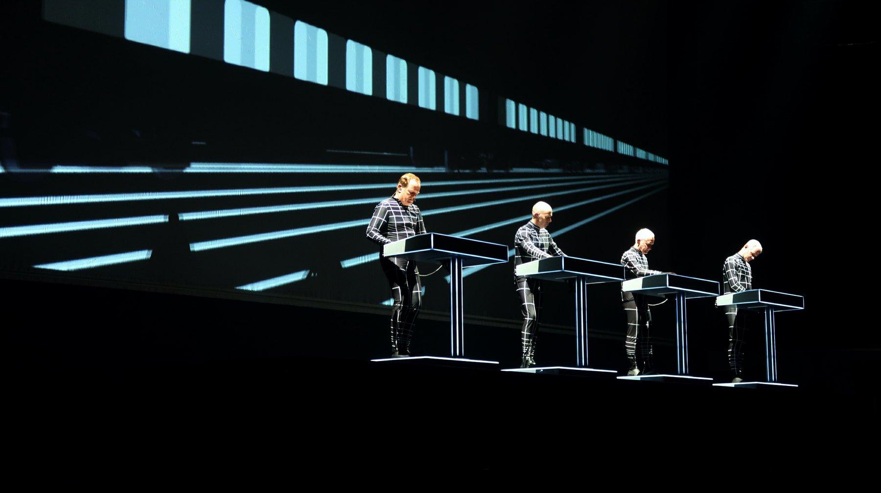 Kraftwerk-3D-travelzik